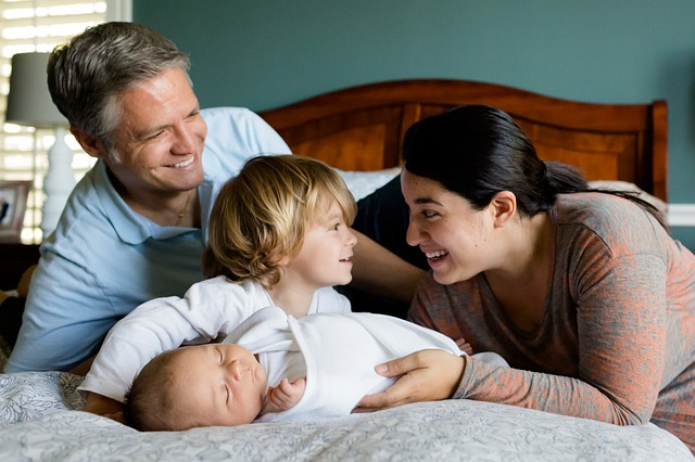 Is there Any Ultimate Amount of Working Hours for Mothers?