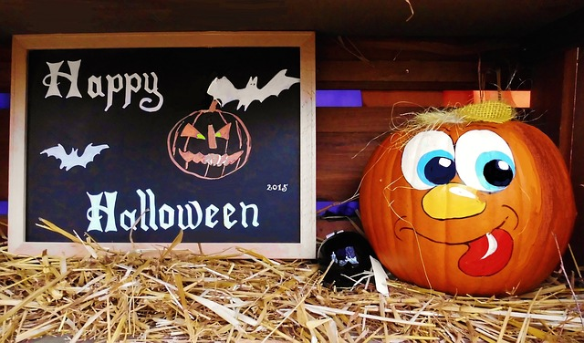 27 No-Carve Ways to Pimp Your Pumpkins for Halloween